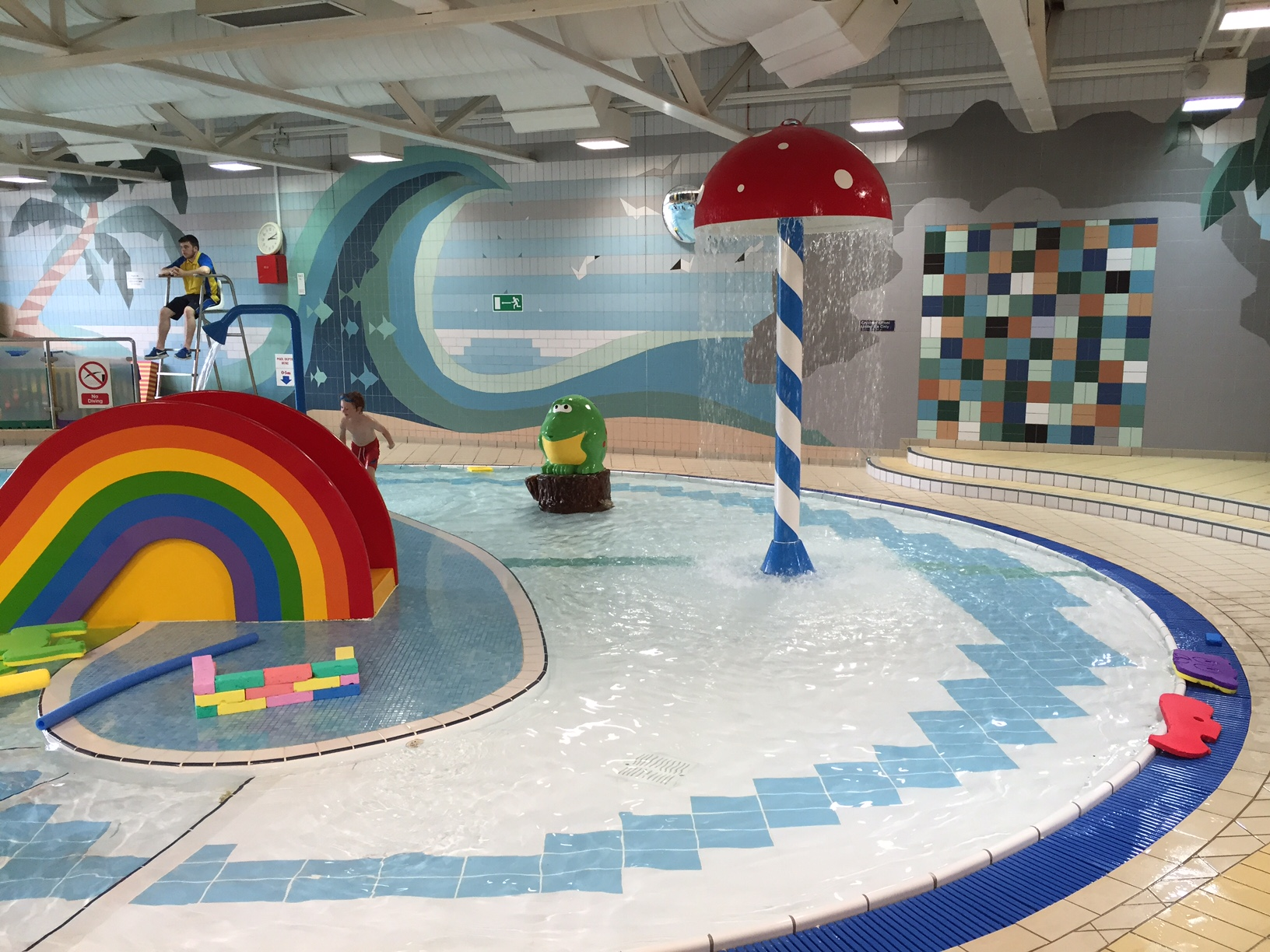 Bicester leisure centre swimming pool red kite days - Swimming pool industry statistics ...