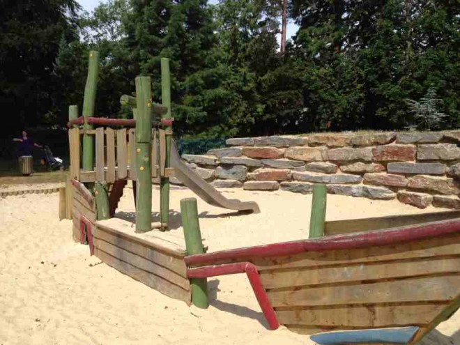 bury knowle park sandpit