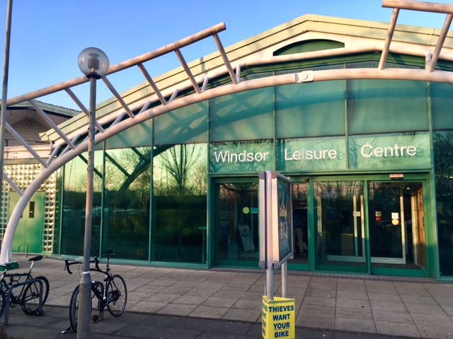 Windsor swimming pool red kite days - Hotels in windsor uk with swimming pool ...