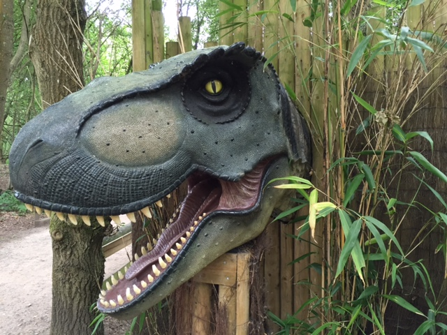 wellington country park, berkshire, near M40, family day out, dinosaur