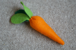 felt, felt vegetables, make pretend food for imaginative play