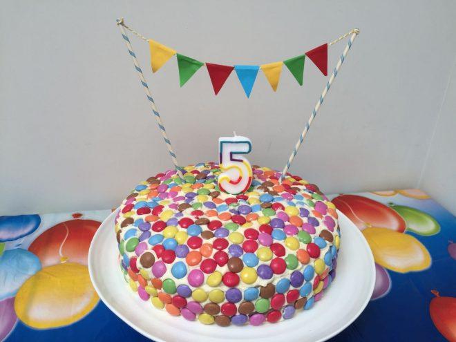 smartie birthday cake, easy birthday cake, circus theme party