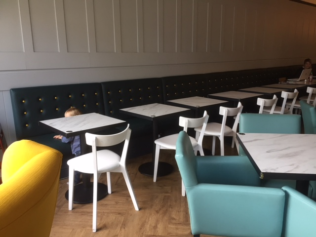 child friendly cafe Windsor, jelly lounge windsor, eating out Windsor